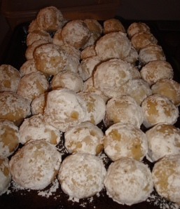 Powdered Sugar Munchkin Muffins!