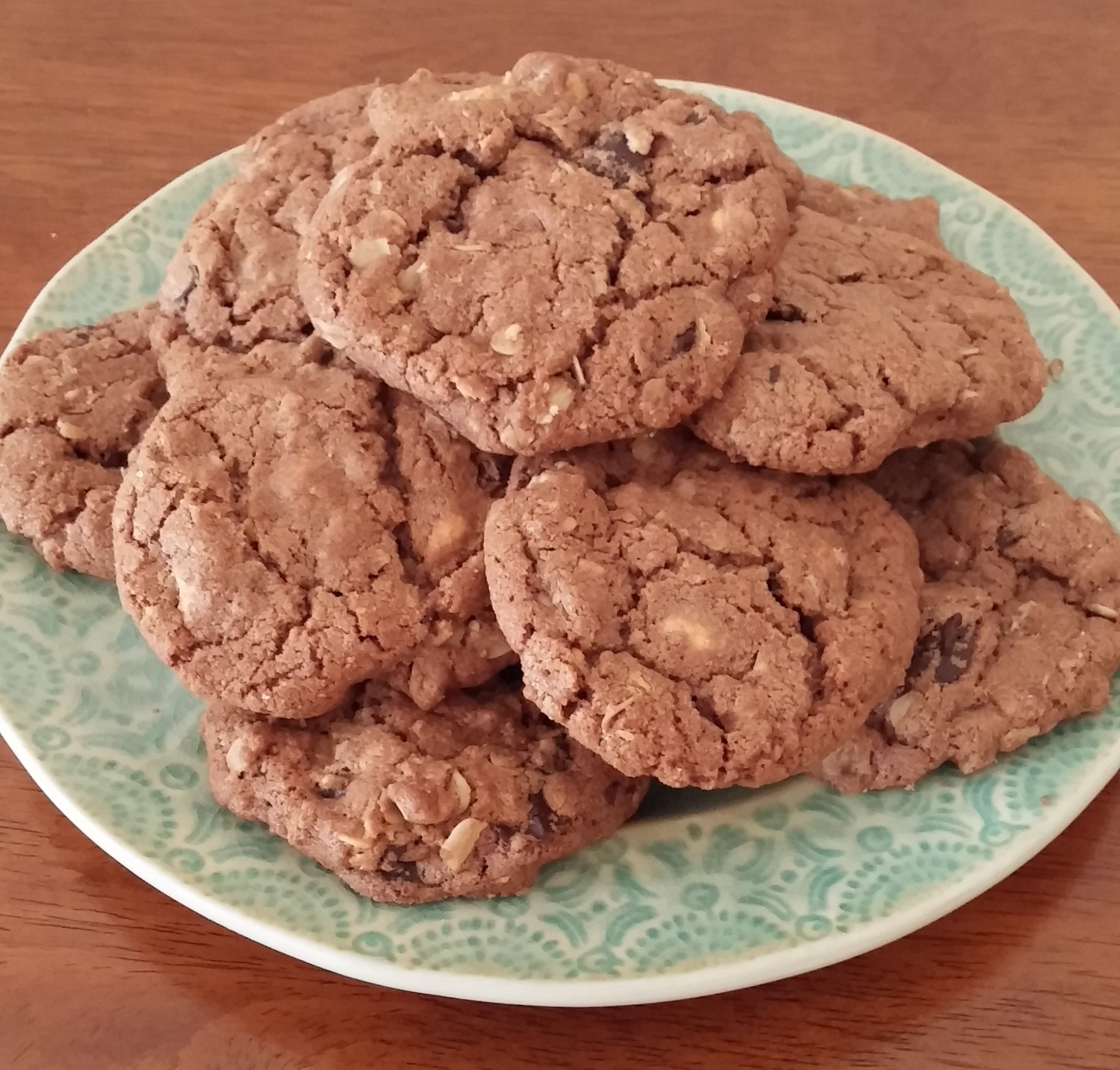 Oatmeal Cookies with Chocolate Chunks, Peanut Butter Chips & Sea Salt ...